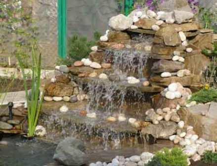 фото альпийская горка с водопадом