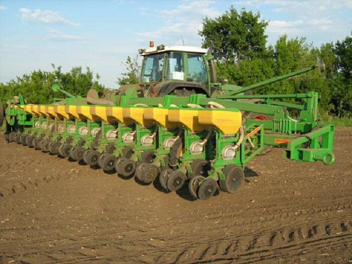 Дискование почвы перед посадкой кукурузы