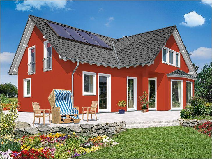 fasad-zagorodnogo-doma-okrashen-vodostoykoy-kraskoy