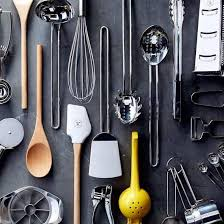 Необходимые кухонные предметы для хозяйки